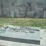 800px-Tsitsernakaberd_Nagono_Karabakh_War_grave